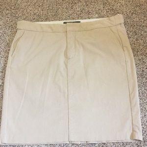 Gap Khaki skirt size 12.